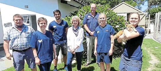 ??  ?? THE NEW PARTNERS: Assuming their new roles at the Kowie Vet Clinic are, from left, Dr Helena and Gerhard Brink, Drs Amir Anywary, LeRey Fourie, Leon de Bruyn, Jolinde Kruger and Willemien Jonck