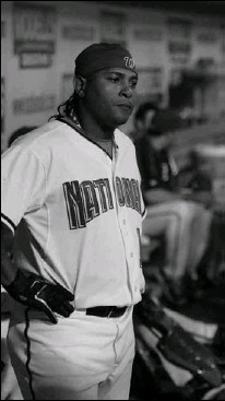 ?? BY TONI L. SANDYS — THE WASHINGTON POST ?? Nationals pinch hitter Ronnie Belliard ponders his at-bat in the eighth in which he flied out with the bases loaded to end the inning at RFK.
