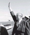 ?? PHOTO: THE NEW ZEALAND HERALD ?? Prime Minister Norman Kirk farewells the HMNZS Otago from the Auckland Naval Base in 1973.