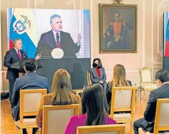 ?? Foto | Presidencia de la República | LA PATRIA ?? Iván Duque firma decreto que crea Estatuto de Protección de migrantes venezolanos.