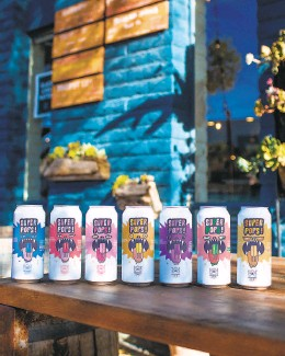 ?? Amber Gueta ?? Craft canned beers at Stillwater in Fairfax, top, which sells cans from breweries including Humble Sea and Alvarado Street. Humble Sea Brewing Co. in Santa Cruz, above, offers new canned beers every week.