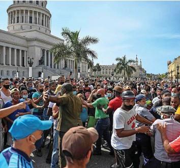 ?? AFP ?? Tausende Kubaner (im Bild Havanna) demonstrierten gegen das Regime auf der Insel.