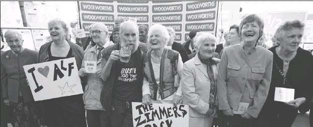 ?? PHOTOS BY DANIEL BEREHULAK, GETTY IMAGES ?? Age is just a number to the Zimmers, a British band led by 90-year-old Alf, below. The band, which was created for a BBC documentar­y on aging, has since released a cover of My Generation. Thanks to YouTube, the video has been viewed by millions around...