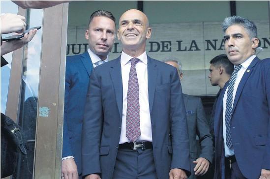 ??  ?? El exjefe de la AFI macrista Gustavo Arribas puede beneficiarse con el pase de la causa a Comodoro Py.