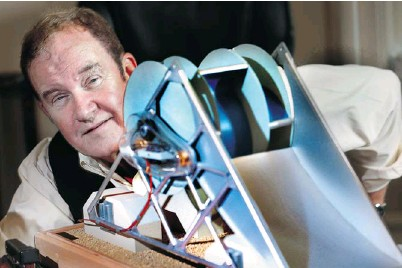?? BRUNO SCHLUMBERGER/OTTAWA CITIZEN ?? Fred Ferguson's Waterotor, which comes in 10-kilowatt and 20-kilowatt units, produces energy from untapped slow-moving currents.