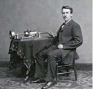 ??  ?? Tesla with a contraption that formed the basis of today's radio