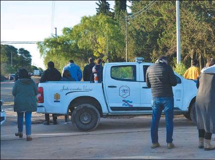 ??  ?? HALLAZGO. El cuerpo del contador Gonzalo Calleja (der.) apareció debajo de un árbol, en un terreno ubicas calles Báez y Montiel, en la ciudad entrerriana de Paraná.