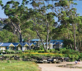 ?? All images © NRMA Holiday Parks. ?? 04 Ocean-view cabins at NRMA Ocean Beach.