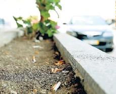 ??  ?? »Colillas de cigarrillos son uno de los residuos más encontrados en el campo y la playa.