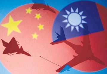 ?? REUTERS ?? Chinese, Taiwanese flags and military airplanes are seen in this illustration.
