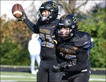 ?? JASON SCHMITT — FOR MEDIANEWS GROUP ?? Madison Heights Bishop Foley is 6-1 on the season following a 27-24 win over Madison Heights Madison in a D7 district opener last week.