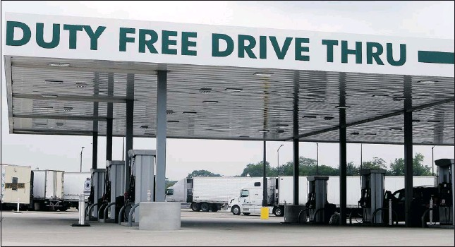 ?? Windsor Star files ?? Duty free gas pumps at the Ambassador Bridge are the source of much profit for the Ambassador Bridge Company, say observers.