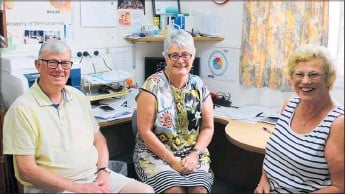 ??  ?? Roly Ellis, Anne Greatbatch and Phillipa Ellis wanted to share experiences of suffering from and coping with hearing loss at Anne's office in Life Unlimited.