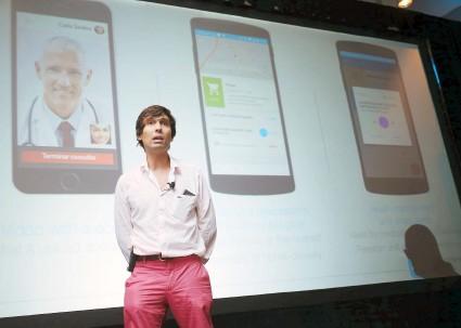 ??  ?? Bernardo Vitorino fue uno de los empresarios que presentó su producto durante el Demo Day.
