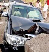 ??  ?? صورة التقطت لسيارة الهندية برارتانا بيهيري، الممثلة، بعد دقائق من حادثها المروع في 2018 (أرشيفية)