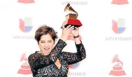 ?? CORTESÍA KLUSTER MUSIC ?? Linda Briceño es la primera mujer en ganar el Latin Grammy como Productor del Año