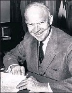 ?? Los Angeles Times ?? DWIGHT D. EISENHOWER at his desk.