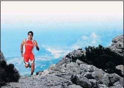 ??  ?? José Manuel López, en un entrenamiento por la montaña.