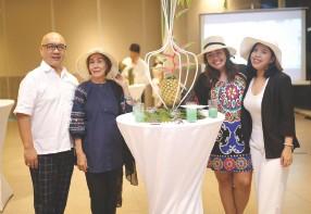 ??  ?? (l-r): Michael E. Dakudao, Marilyn Roque, Leebai Sinsuiat and Park Inn's Assist. Marketing Officer Thea Ledesma