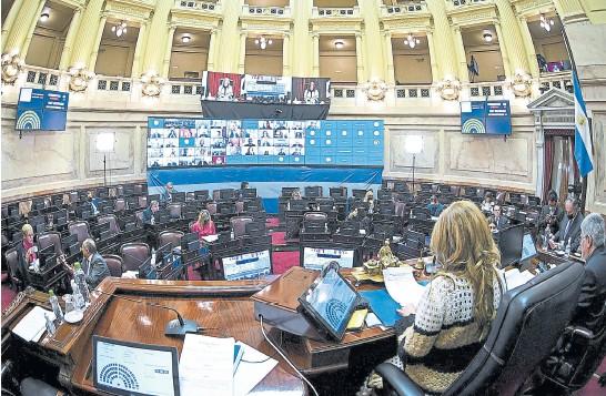 ??  ?? ley aprobada En una sesión desarrollada el jueves último, el Senado convirtió en ley el proyecto de cambios en el monotributo; la iniciativa había ingresado al Poder Legislativo en junio, tras las reacciones de rechazo provocadas por las deudas que generó una norma votada en abril