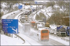 ??  ?? STANDSTILL: The M77 was one of a number of routes affected.