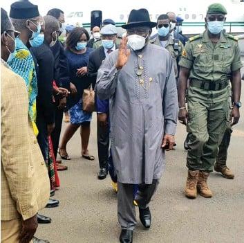 ?? DR ?? Mediador Goodluck Jonathan afirma que a CEDEAO vai continuar a trabalhar com Bamako