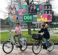 ??  ?? הולנד היא מודל לחיקוי. רוכבות אופניים בעיירה וולנדם
