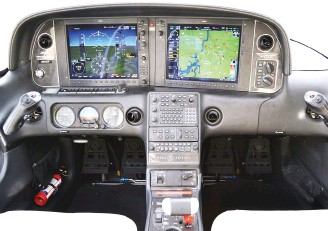 ??  ?? Cirrus SR22T cockpit