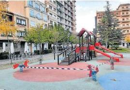 ?? Foto: cedida ?? Un parque infantil de Tudela, precintado.