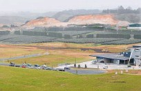 ?? Photo / File ?? Before the after. Tauriko Business Estate pictured in 2011 showing the earthworks for Stage 2, at the end of the first developed stage.