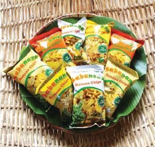 ??  ?? Villa Socorro Farm Sabanana Banana Chips are sold locally in restaurants, supermarkets, hotels, and cultural stores, as well as in 15 countries including the US, Canada, and the Middle East.