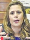 ??  ?? Kattya González (PEN), diputada por Central. impulsora del proyecto de ley que incluye los gastos sociales al Presupuesto.