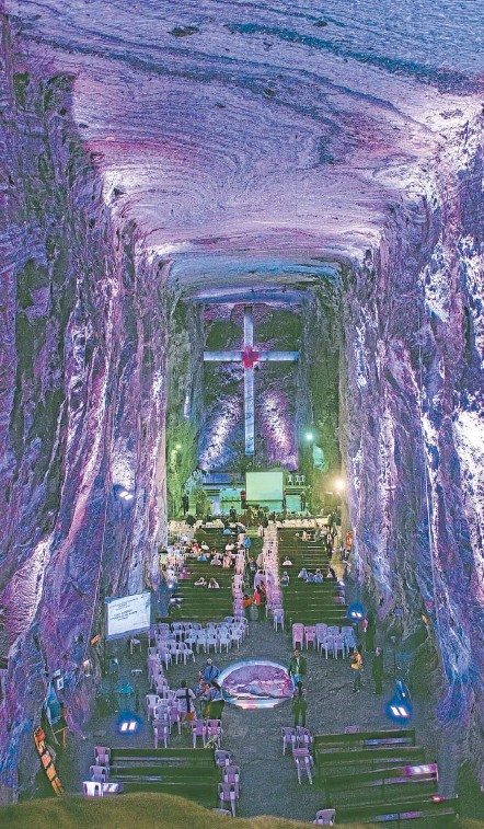 ?? Photos: PAT BARRETT ?? Salt vault: One of the galleries in the salt mine of Zipaquira converted for a Catholic mass.