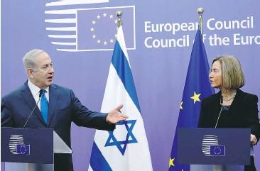 ??  ?? Duro confronto, ieri a Bruxelles, fra Benjamin Netanyahu e Federica Mogherini [LaPresse]