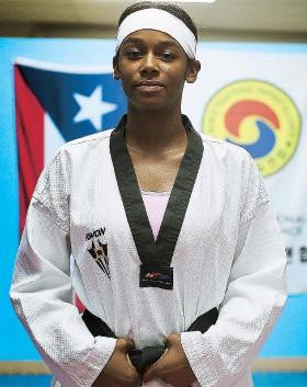 ??  ?? Crystal Weekes hará hoy su debut olímpico en la división de +67 kg.