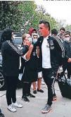 ?? FOTO: TWITTER ?? El ídolo Esteban Paredes al momento de salir de viaje rumbo a la ciudad de Talca.
