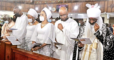 ??  ?? Former Emir of Kano, Alhaji Lamido Sanusi ( right); son- in- law of the late Emily Aig- Imoukhuede, Bolaji Balogun; daughter, Kemi Balogun; Ofovwe Aig– Imoukhuede, her husband, Aigboje and the widower, Frank Aig- Imoukhuede, at the outing service of the departed in Lagos... yesterday.