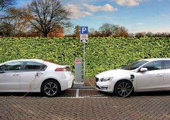 ?? Infc.gc.ca/3568 ?? City of Surrey is installing 40+ electric vehicle charging stations at 10 public facilities across the city thanks to federal funding.