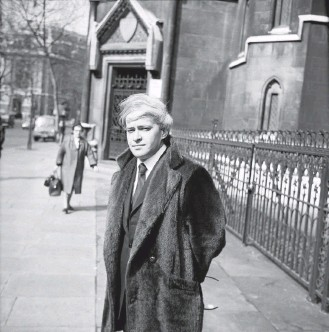 ?? JONES/DAILY EXPRESS/GETTY IMAGES ?? Author Stephen Vizinczey, seen in London in 1971, published his best-selling novel in 1965, after escaping from his home country after the Hungarian Revolution of the 1950s and learning English.