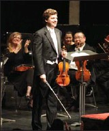 "?? HAMILTON SPECTATOR FILE PHOTO ?? Violin virtuoso James Ehnes will be the soloist in Samuel Barber's ""Violin Concerto"" on Feb. 17."
