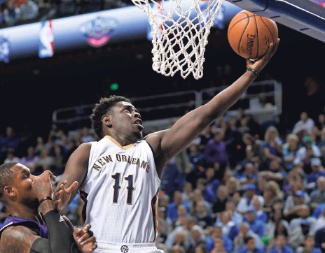 ?? MARK ZEROF, USA TODAY SPORTS ?? The Pelicans are counting on a full season from point guard Jrue Holiday, who averaged 14.8 points in 40 games last season.