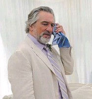 ??  ?? Da sinistra, Diane Keaton e Michael Douglas in «Mai così vicini»; Robert Redford e Nick Nolte in «A spasso nel bosco» e Robert De Niro in «Big Wedding»
