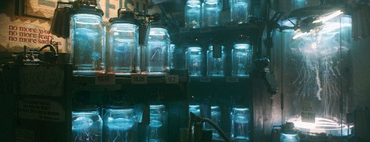 ??  ?? Below: Jel­ly­fish Store by long-time Blender col­lab­o­ra­tor, Ian Hu­bert