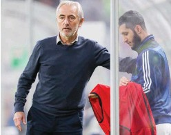 ??  ?? ↑ Bert Van Marwijk has been entrusted with the responsibility of taking the UAE through to the joint qualifiers.