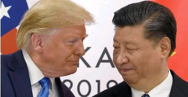 ?? AP African News Agency (ANA) ?? US PRESIDENT Donald Trump, left, and China's President Xi Jinping. As the world's two largest economies, both countries have a responsibility to help restore the well-being of people across the globe by reviving the world economy, which has been devastated by the Covid-19 outbreak, the writer says.  