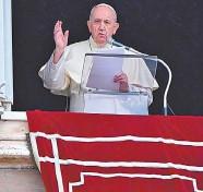 ?? AP ?? El papa Francisco, durante el Angelus de este domingo en el Vaticano./Foto: