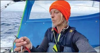 ??  ?? Miranda Merron au coeur de l'océan indien, a eu quelques réparations à faire ces derniers jours.