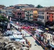 ??  ?? Verona hosts the finish on the final stage of the 2019 Giro d'Italia