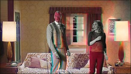 ??  ?? Paul Bettany et Elizabeth Olsen reprennent leur rôle des superhéros Vision et Wanda Maximoff.