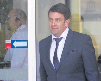 ?? Picture: Adam Poulsen ?? Kenneth Charles Lee leaves Fremantle Justice Complex on Tuesday.